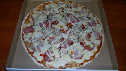 Mix - tomato sauce, cheese, pork ham, chicken, pepperoni, marinanted cucumber, marinanted sweet pepper, mayonnaise - curry sauce