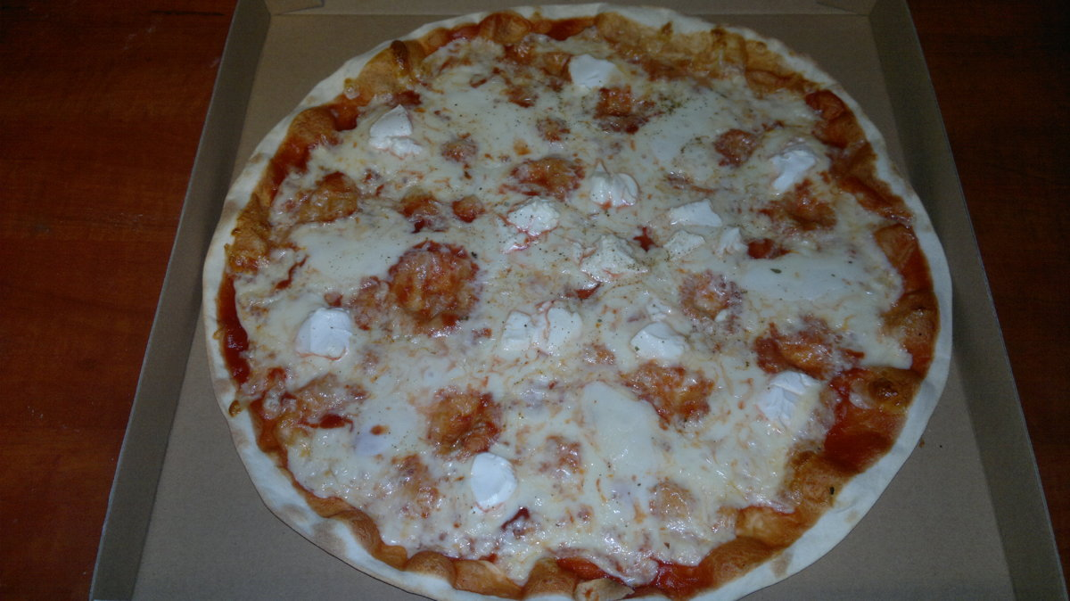 "Četru sieru - tomātu mērce, siers, svaigais siers ""Mozzarella"",  siers Philadelphia, siers Fetaki"
