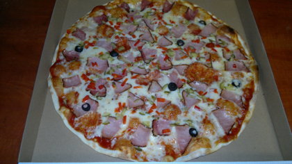 Pork ham	- tomato sauce, cheese, pork ham, marinanted cucumber,  sweet pepper, olives